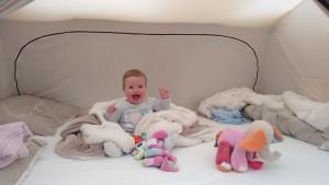 Spelen in het grote bed!
